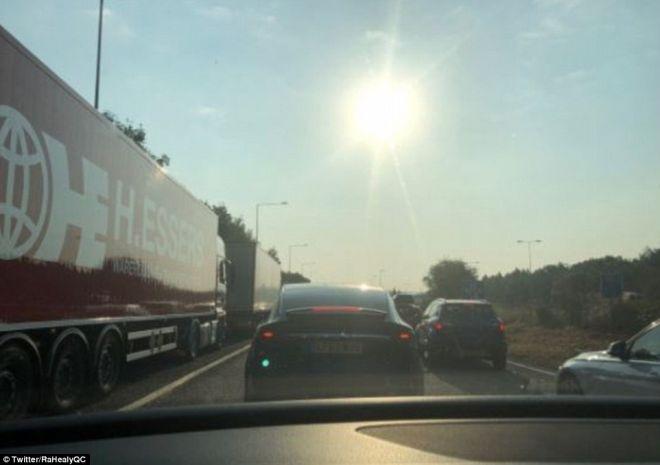 Ανελέητο μποτιλιάρισμα με 39 βαθμούς Κελσίου στο Eurotunnel