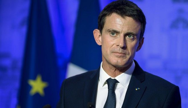 French Prime Minister Manuel Valls delivers a speech at the prefecture of Meurthe-et-Moselle on December 2, 2016 in Nancy, eastern France. French President Francois Hollande's dramatic announcement that he will not seek a second term opens the way for his prime minister Manuel Valls to make a bid for power in next year's increasingly open election. / AFP PHOTO / JEAN-CHRISTOPHE VERHAEGEN