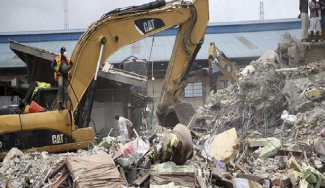 Τουλάχιστον 30 νεκροί από κατάρρευση κτιρίου στο Λάγκος