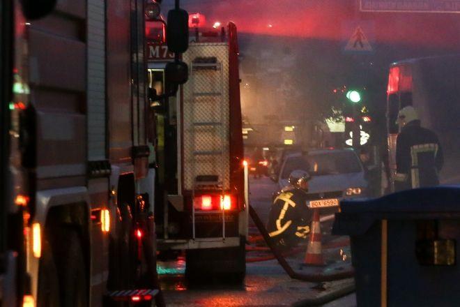 Πυρκαγιά σε συνεργείο αυτοκινήτων στον Γέρακα