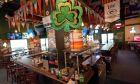 """Λιθουανία: """"Στέγνωσαν"""" τα μπαρ από μπύρα στο άνοιγμα της εστίασης"""