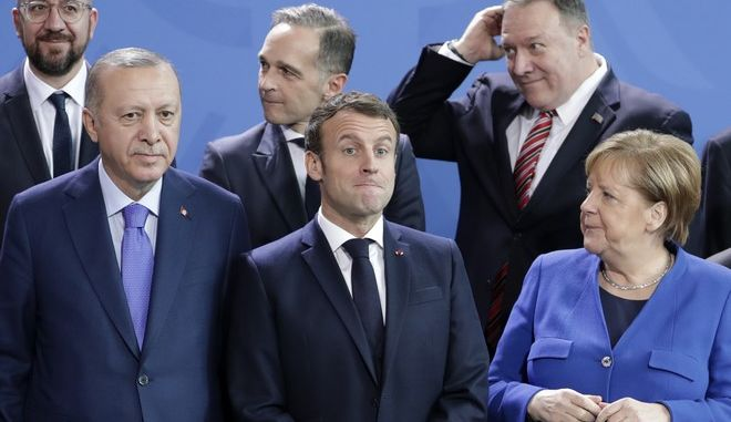 Η Γερμανίδα Καγκελάριος Άνγκελα Μέρκελ, μαζί με τον Γάλλο πρόεδρο Εμμανουέλ Μακρόν και Τούρκο πρόεδρο Ταγίπ Ερντογάν