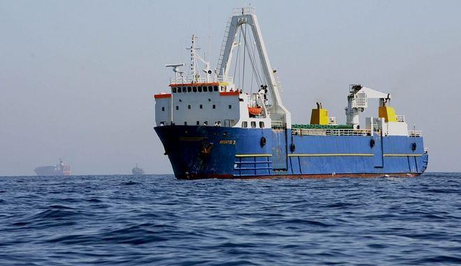 Στη Μαρμαρίδα ρυμουλκείται το φορτηγό πλοίο σημαίας Τουρκίας που το πρωί έμεινε ακυβέρνητο νότια της Μήλου