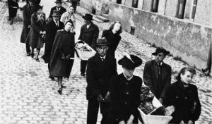 Όταν οι Γερμανοί πολίτες υποχρεώθηκαν να αντικρίσουν τα θύματα των Ναζί