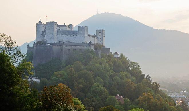 Το μπαρόκ κάστρο του Σάλτσμπουργκ στην Αυστρία, έτος 1077