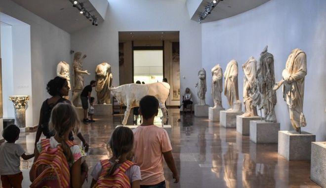 Εκθέματα του αρχαιολογικού μουσείου Αρχαίας Ολυμπίας
