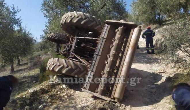 Θρήνος στην Αταλάντη: Νεκρό ζευγάρι που καταπλακώθηκε από τρακτέρ