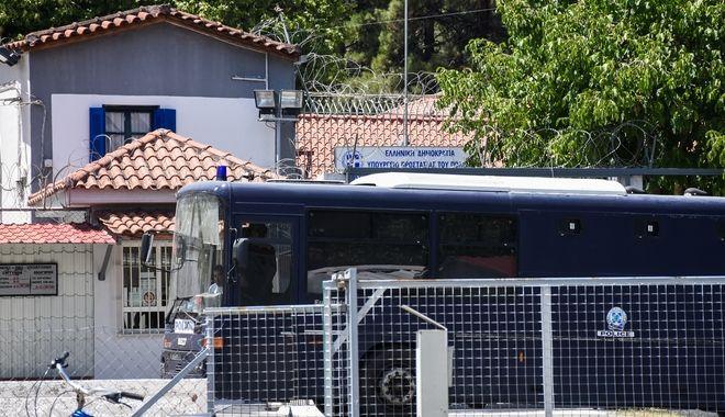Στις φυλακές Τρίπολης οδηγήθηκε ο Πέτρος Φιλιππίδης