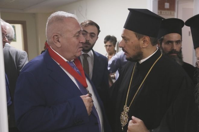 Ύψιστη τιμή για τον Παντελή Μπούμπουρα από τον Αρχιεπίσκοπο
