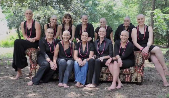 Μαθήματα ζωής κατά του καρκίνου: Ξύρισαν τα κεφάλια τους για να συμπαρασταθούν στη φίλη τους