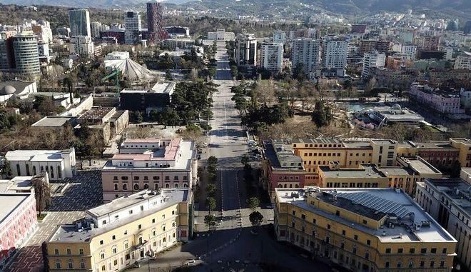 Κορονοϊός: Σε ισχύ ο στρατιωτικός νόμος στην Αλβανία