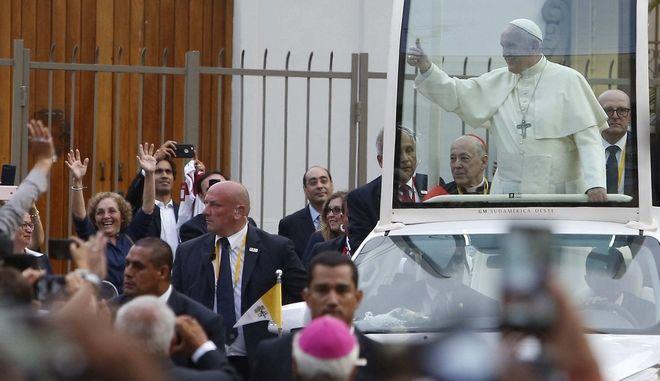 Pope Francis arrives at the Apostolic Nunciature in Lima, Peru, Thursday, Jan.18, 2018. (AP Photo/Karel Navarro)
