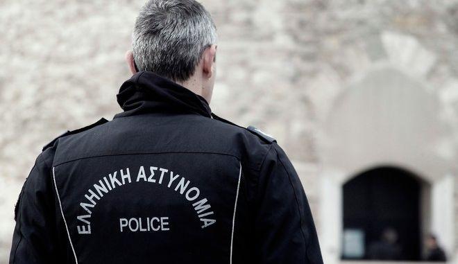 Άνδρας της Ελληνικής Αστυνομίας