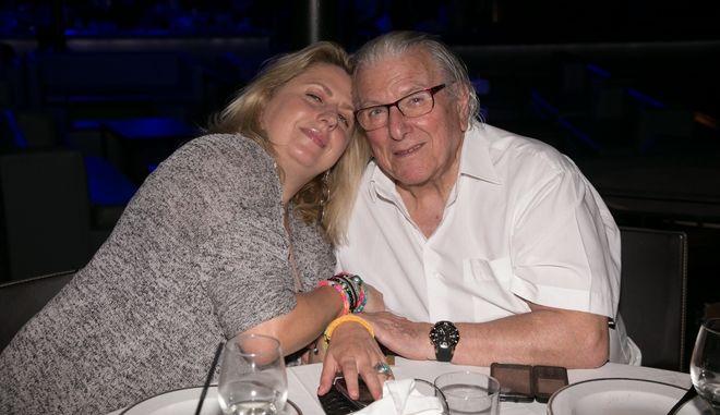 Ο Κώστας Βουτσάς μαζί με την κόρη του, Σάντρα