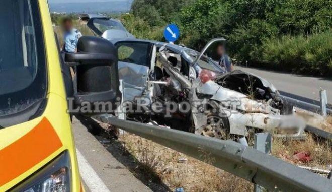 Το όχημα  μετά το τροχαίο στην Αταλάντη