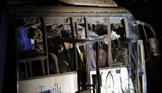 Επίθεση σε τουριστικό λεωφορείο στην Αίγυπτο