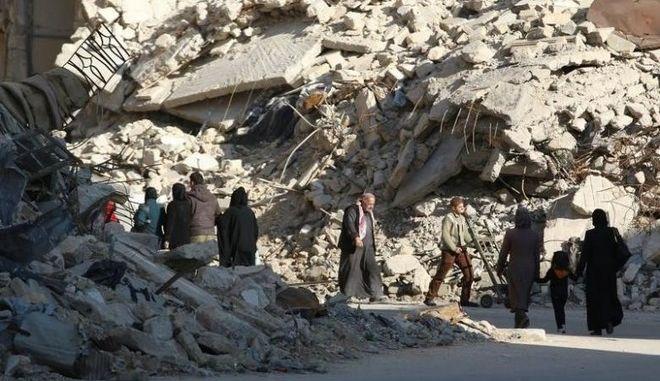Παρατείνεται η 'ανθρωπιστική παύση' των αεροπορικών βομβαρδισμών στο Χαλέπι