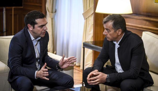 Συνάντηση του Πρωθυπουργού Αλέξη Τσίπρα με τον επικεφαλής του Ποταμιού Σταύρο Θεοδωράκη την Δευτέρα 12 Μαρτίου 2018. (EUROKINISSI/ΤΑΤΙΑΝΑ ΜΠΟΛΑΡΗ)