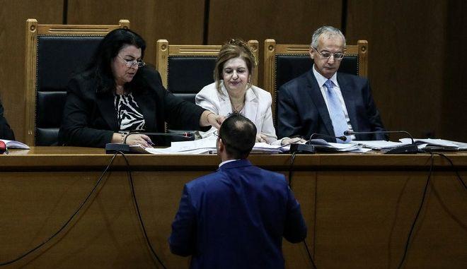 Δίκη Χρυσής Αυγής: Ελεύθερος ο Χρ. Στεργιόπουλος για τη δολοφονία Λουκμάν