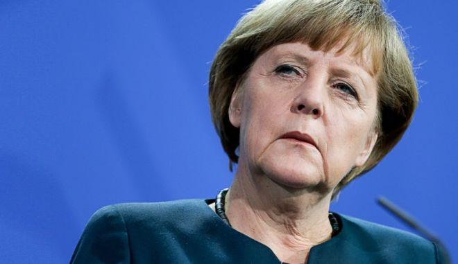 Η κρίση στην Ελλάδα φαίνεται να διχάζει τους Χριστιανοδημοκράτες της Μέρκελ