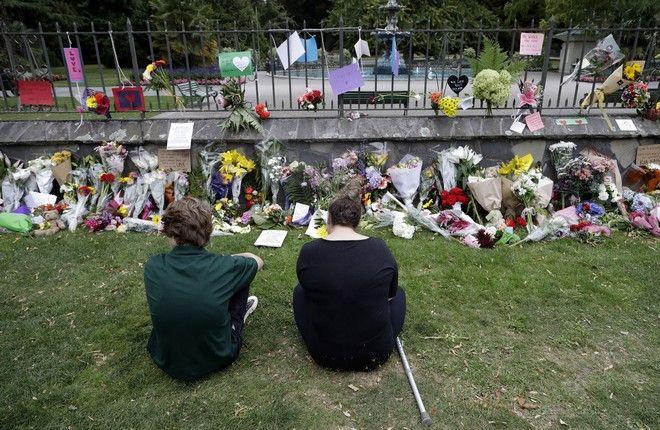 Λουλούδια στο σημείο της τραγωδίας