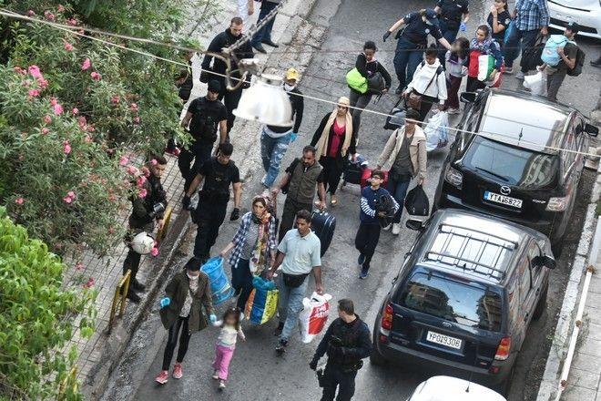 Αστυνομική επιχείρηση στο πρώην 5ο Λύκειο Αθηνών, στη συμβολή των οδών Οκταβίου Μερλιέ και Πρασσά