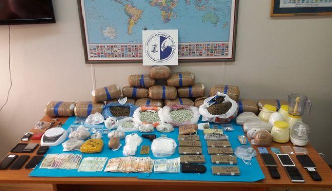 """Τέλος στη δράση """"σουπερμάρκετ"""" ναρκωτικών που δρούσε σε Αττική και επαρχία"""