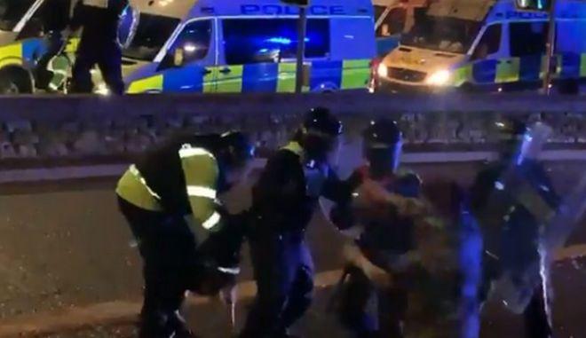 Σκύλος της αστυνομίας δαγκώνει αστυνομικό και απελευθερώνει πολίτη