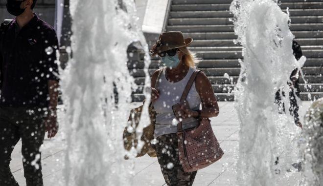 Σε κλοιό καύσωνα όλη η χώρα - Οι θερμοκρασίες τις επόμενες ημέρες