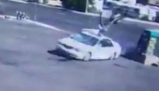 Σφοδρή σύγκρουση αυτοκινήτου με ΙΧ
