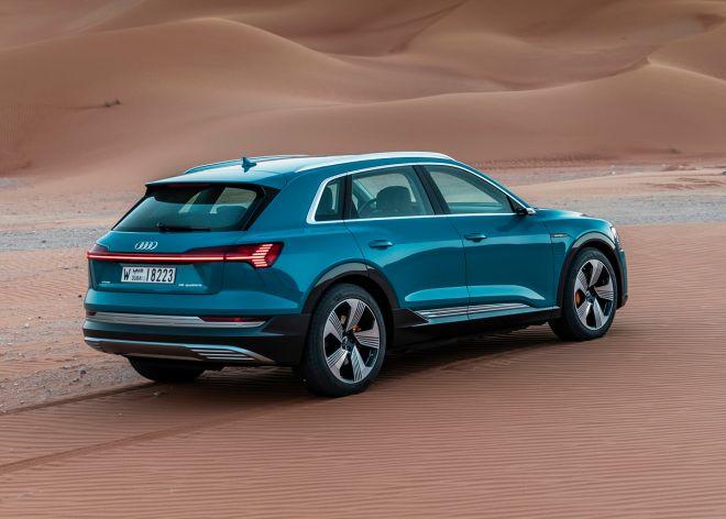 The Audi e-tron in Abu Dhabi, Static photo,  Color: Antigua blue
