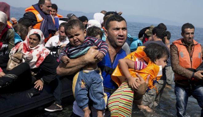 Mετανάστες σε νησί του Αιγαίου
