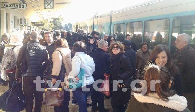 Εκτροχιασμός τρένου με 120 επιβάτες στο Λιανοκλάδι. Προσέκρουσε σε αγελάδες