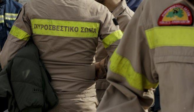 Συγκέντρωση συμβασιούχων πυροσβεστών στο Σύνταγμα. Δευτέρα 13 Νοέμβρη 2017. (EUROKINISSI / Γιάννης Παναγόπουλος)