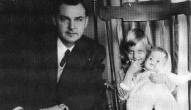 Με δάκρυα αποχαιρέτισε η Ντιτζένερις τον πατέρα της που έφυγε από τη ζωή