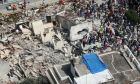 epa06214743 Rescue team members work to find survivors trapped in rubble following a 7.1 magnitude earthquake, in Mexico City, Mexico, 19 September 2017. At least 149 people died in the states of Morelos, Puebla and Mexico following a powerful earthquake that struck central Mexico. Emergency services are searching for survivors buried under the rubble of collapsed buildings. The death toll is likely to rise, media added quoting officials.  EPA/MARIO GUZMAN