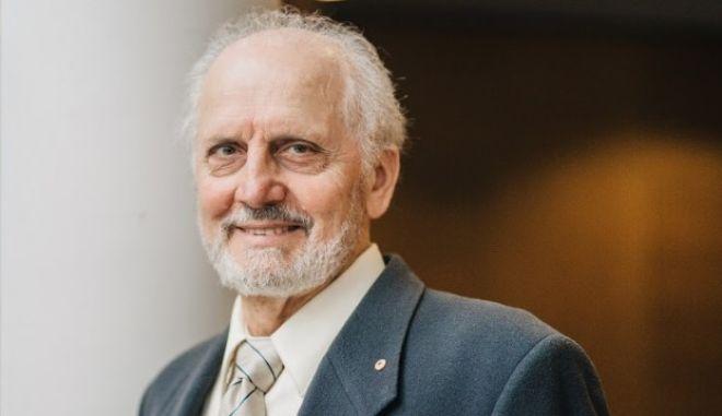 Ο καθηγητής, Γιώργος Παξινός