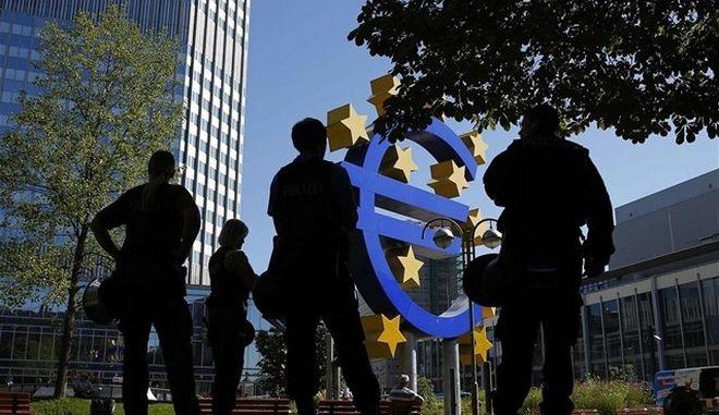 Η ΕΚΤ αύξησε μόλις κατά 200 εκατ. το ELA για τις ελληνικές τράπεζες
