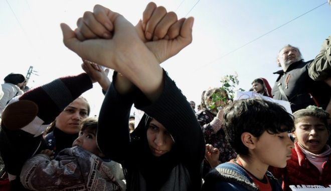 Κατάληψη της σιδηροδρομικής γραμμής στην Ειδομένη από πρόσφυγες την Πέμπτη 3 Μαρτίου 2016. (EUROKINISSI/ΤΑΤΙΑΝΑ ΜΠΟΛΑΡΗ)