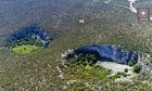 Μυστηριώδεις γιγάντιοι κρατήρες στην Αργολίδα διχάζουν τους επιστήμονες