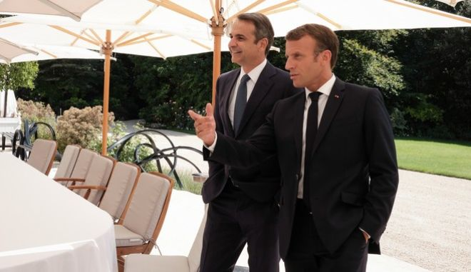 Συνάντηση του πρωθυπουργού Κ. Μητσοτάκη με τον Πρόεδρο της Γαλλικής Δημοκρατίας Εμανουέλ Μακρόν στο Παρίσι