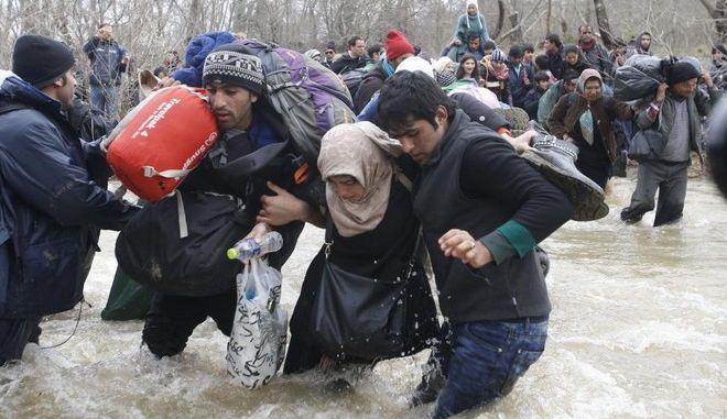 Έλληνες φωτορεπόρτερ συνελήφθησαν από αστυνομικούς της ΠΓΔΜ