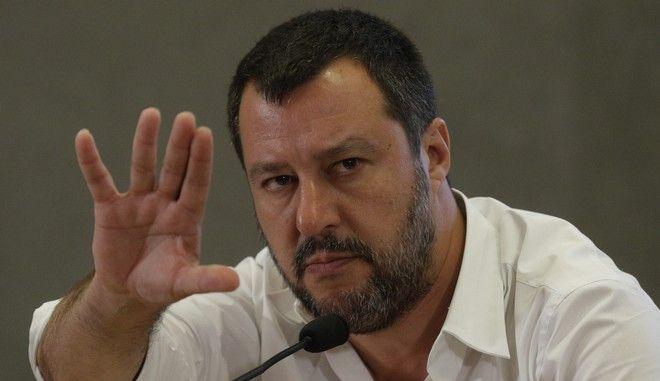 Ο Ματέο Σαλβίνι σε συνέντευξη Τύπου στη Ρώμη