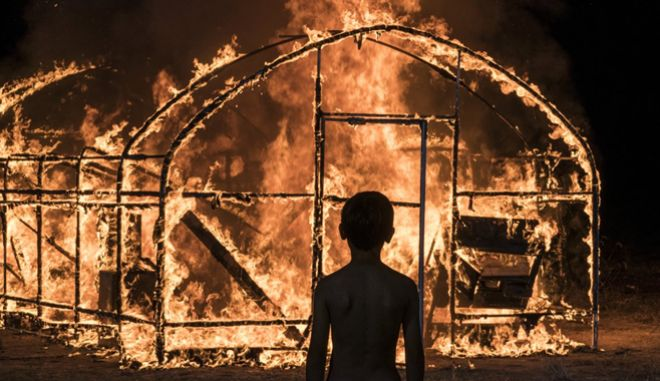 """Το """"Παιχνίδι με τη Φωτιά"""" είναι η διασκευή Μουρακάμι που ξεσήκωσε τις Κάννες"""