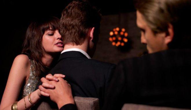 Σεξ: Τι μαρτυρά πως η γυναίκα δεν είναι πιστή