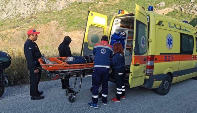 Σκηνές Φαρ Ουέστ στην Αρχαία Κόρινθο: Ένοπλη συμπλοκή αστυνομικών με ληστές - 2 τραυματίες