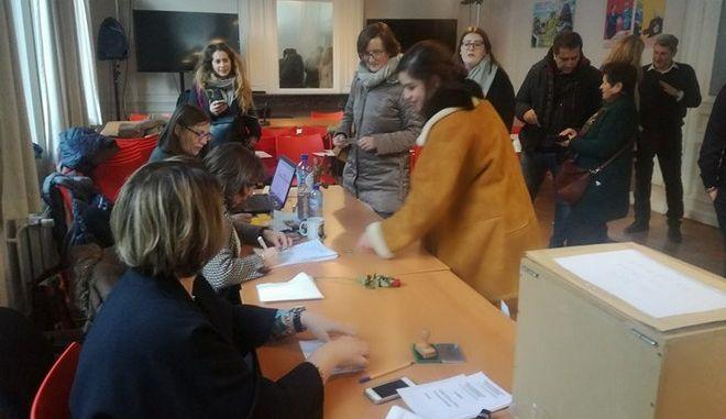Έλληνες ψήφισαν στο Βέλγιο για την Κεντροαριστερά: 'Να μην ξενιτεύονται οι νέοι'