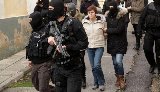 Απολογία στον εισαγγελέα της Πόλα Ρούπα και της 25χρονης που συνελήφθη μαζί της, την Παρασκευή 6 Ιανουαρίου 2017. (EUROKINISSI/ΓΙΑΝΝΗΣ ΠΑΝΑΓΟΠΟΥΛΟΣ)