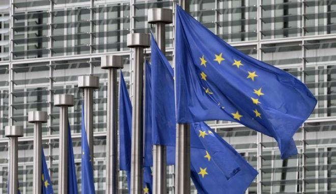 Reuters: Σχέδιο για την εγγύηση των καταθέσεων φέρνει η Κομισιόν