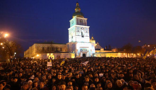 Ουκρανία: Οι φίλοι της Ευρώπης, πλημμύρισαν τους δρόμους